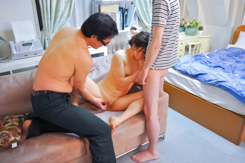 Miko Amane homemade threesome sex pic