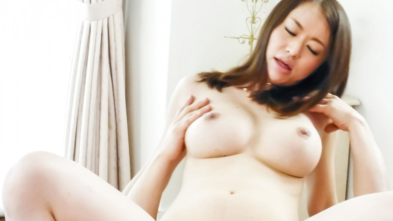 busty Kaede Niiyama fucking guy on top